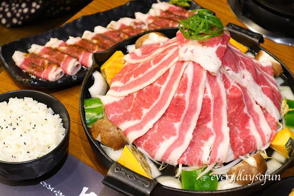 超狂肉肉山烤著吃,火車站美食推薦:小旬湯仁愛店,還有迷你火鍋可以外帶!