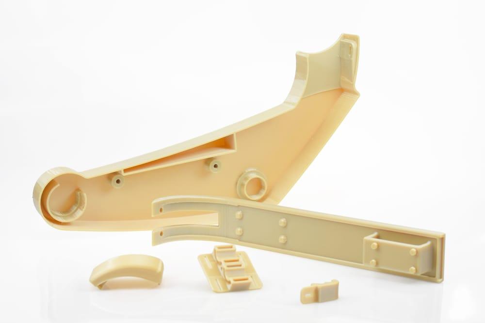 Изготовление и сертификация компонентов, относящихся к самолете, для оригинального производства или запасных частей для вторичного рынка, упрощается с помощью решения Serat Certification для Stratasys Aircraft Interiors