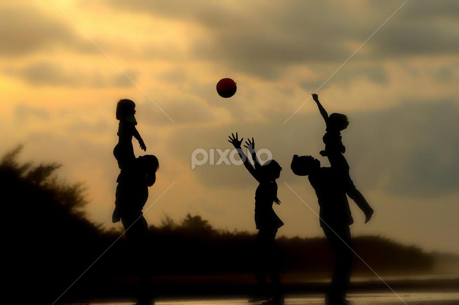 by Martin Marthadinata - People Family ( silhouette )
