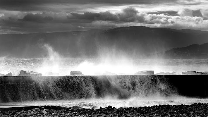 L'onda furiosa!! di leonardo valeriano