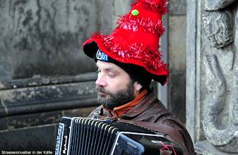 Photo: Strassenmusiker in der Kälte