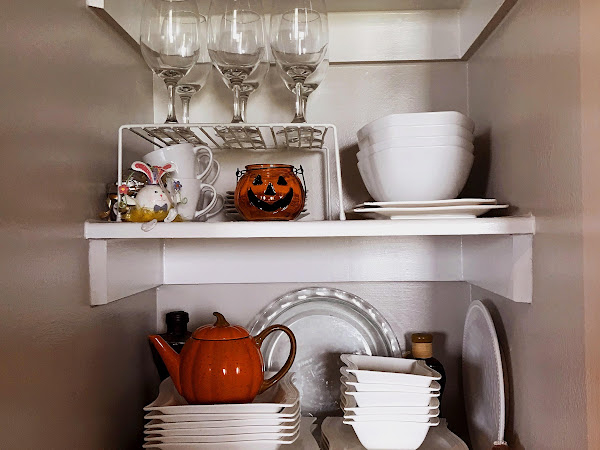 Fall // Halloween Decorated Apartment Tour