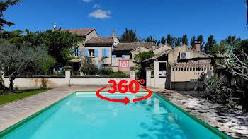 Maison 7 pièces 304 m2