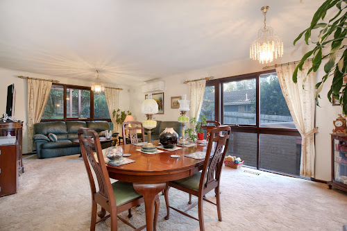 Photo of property at 8 Abbey Walk, Vermont 3133