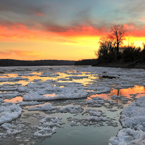 Missouri River Ice by Michael Smith - Instagram & Mobile iPhone ( missouri, ice flow, sunset, ice, missouri river, river )