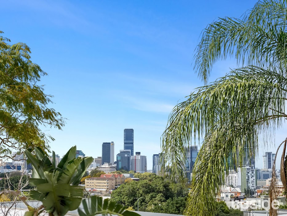 Main photo of property at 6/25 Upper Clifton Terrace, Red Hill 4059