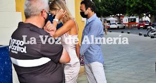 Ana Soria y Enrique Ponce, a su llegada a la Plaza de Toros de Almería. Foto: JUAN SÁNCHEZ
