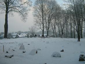 Photo: Senosios kapinaitės Nemėžio mečetės kairėje pusėje.