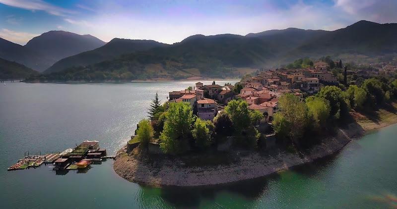 Il borgo riconvertito di Montevecchi