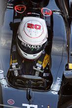 Photo: Kevin Magnussen - Renault Sport F1 Team