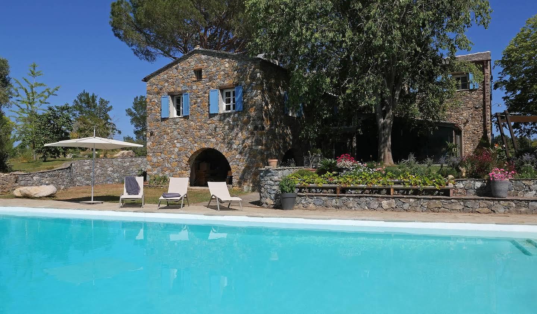 Propriété avec piscine et jardin Haute-Corse