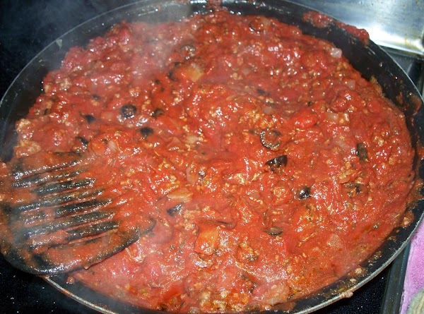 Simmer the sauce on medium low heat for 30 minutes.