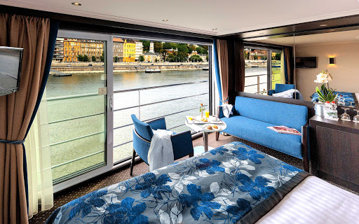 Take in the passing landscapes from your Panorama Suite on Avalon Artistry II.