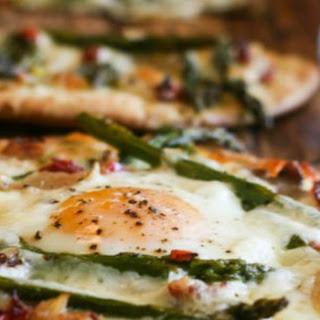Asparagus Chicken Flatbread Pizza #SundaySupper.