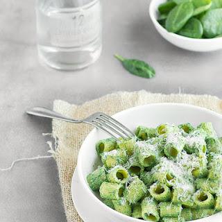 15 Minute Pasta with Spinach Ricotta Pesto.