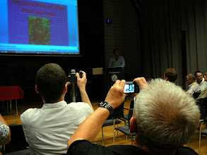 Photo: ICPS Conference in Leiden (NL) 2010. A lecture on new Nepenthes by Stewart McPherson.