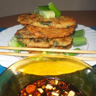 Nokdu Bindaetteok (Korean Mung Bean Pancakes)