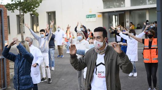 'No tener casa, mata', el 'flashmob' denuncia del Centro de Acogida