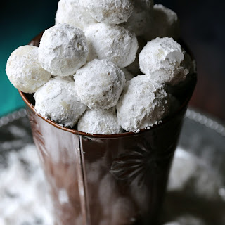Quick & Easy No Bake Peanut Butter Snowballs.