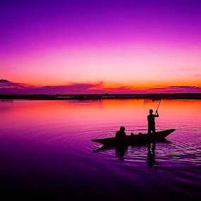 Violet dawn by Do AmateurPic - Landscapes Sunsets & Sunrises ( dawn, lagoon, việt nam, huế, sunrise, amateurpic )