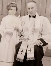Photo: Ks.Czesław Jurczyk i Antonina Aksamit.  Zdjęcie udostępnione prze P.Ewe Aksamit.