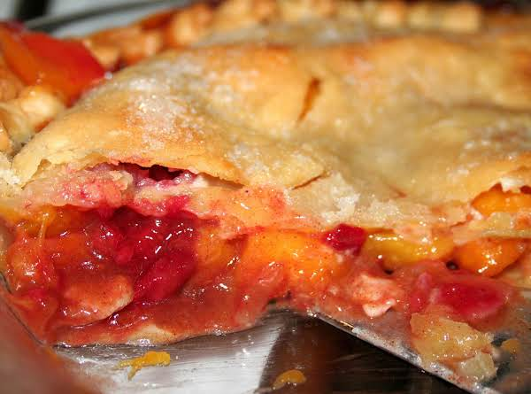 Scrumptious Peach-a-berry Pie