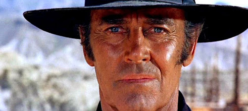 """Photo: O plano dos olhos azuis de Henry Fonda em """"Era uma Vez no Oeste"""""""