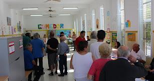 Electores en un colegio de Garrucha.