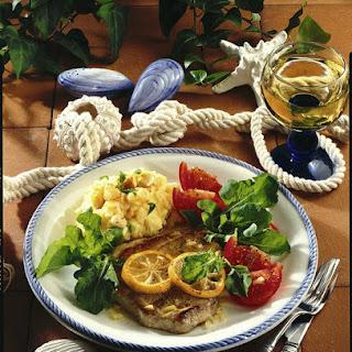 Tuna with Garlic Mashed Potatoes.