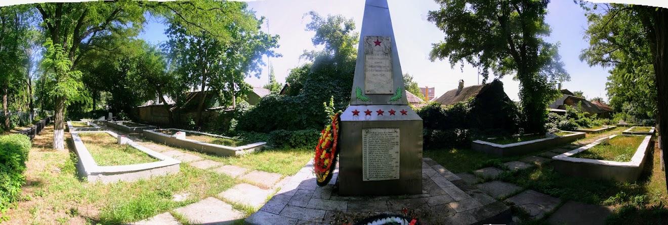 https://sites.google.com/site/istoriceskijtaganrog/staroe-kladbise/memorial-voinam-velikoj-otecestvennoj-vojny