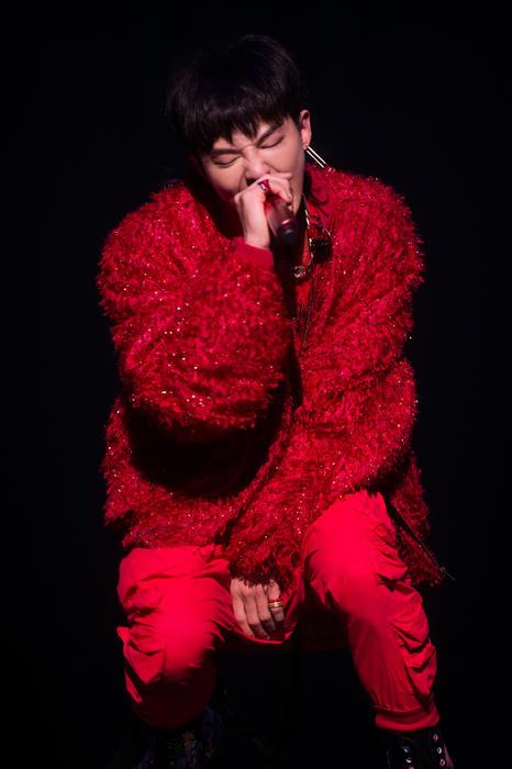 BIGBANG G-Dragon 2017 Performing