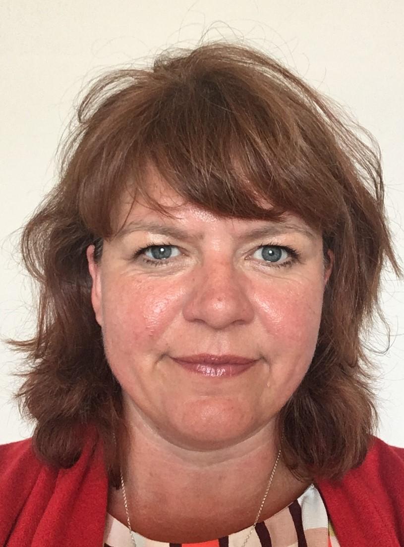 Amanda Smethurst Headshot