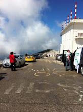 Photo: la ligne d'arrivée en haut du mont Ventoux