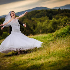 Wedding photographer Krzysztof Piątek (KrzysztofPiate). Photo of 06.02.2017