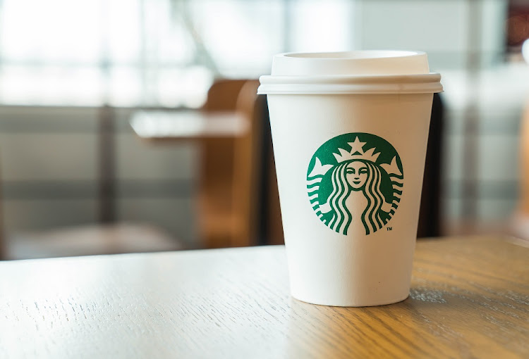 Starbucks staff to get 'racial bias training'