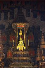 Photo: Emerald Buddha, самая почитаемая святыня