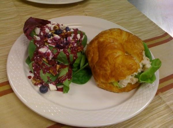 Spinach & Blueberry Salad Recipe