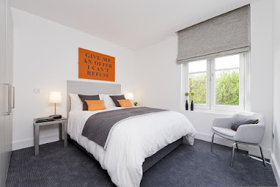 Templeton Place Apartment in Earls Court