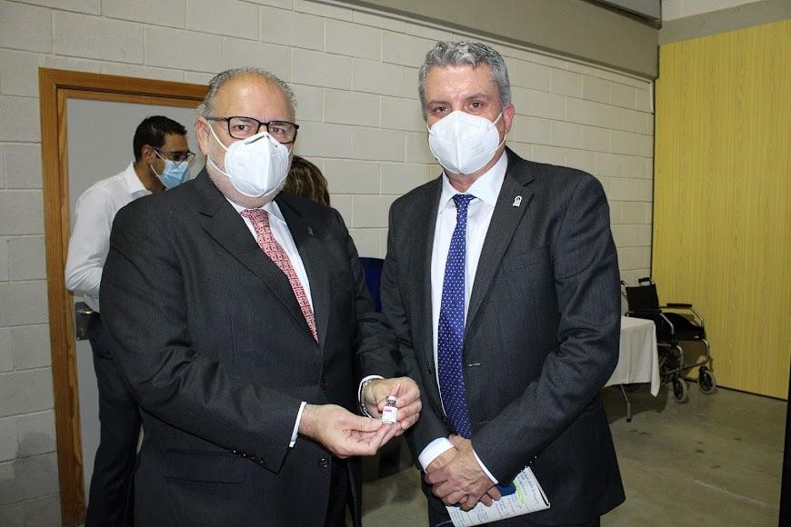 El gerente del SAS y el delegado de Salud en Almería.