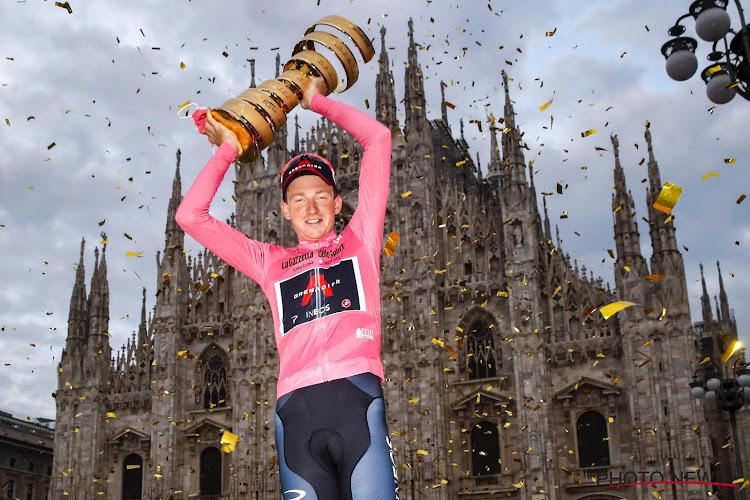 """🎥 """"Wat een mooie verrassing"""": Ineos en Pinarello bedisselden plan om Girowinnaar in zevende hemel te brengen"""