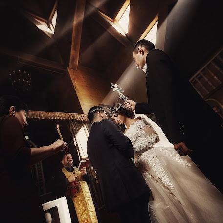 Wedding photographer Denis Vyalov (vyalovdenis). Photo of 30.11.2017