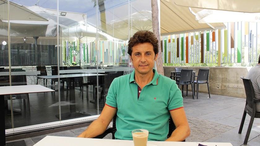El torero almeriense Ruiz Manuel durante su entrevista.