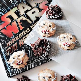 How To Make Chewbacca and Wampa Macaroons