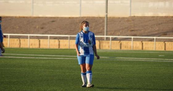 María González refuerza el centro del campo del Almería Femenino