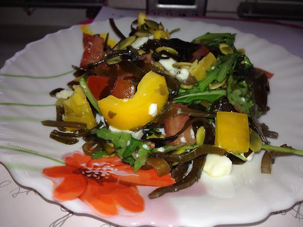 морская сила, салат с морской капустой и овощами