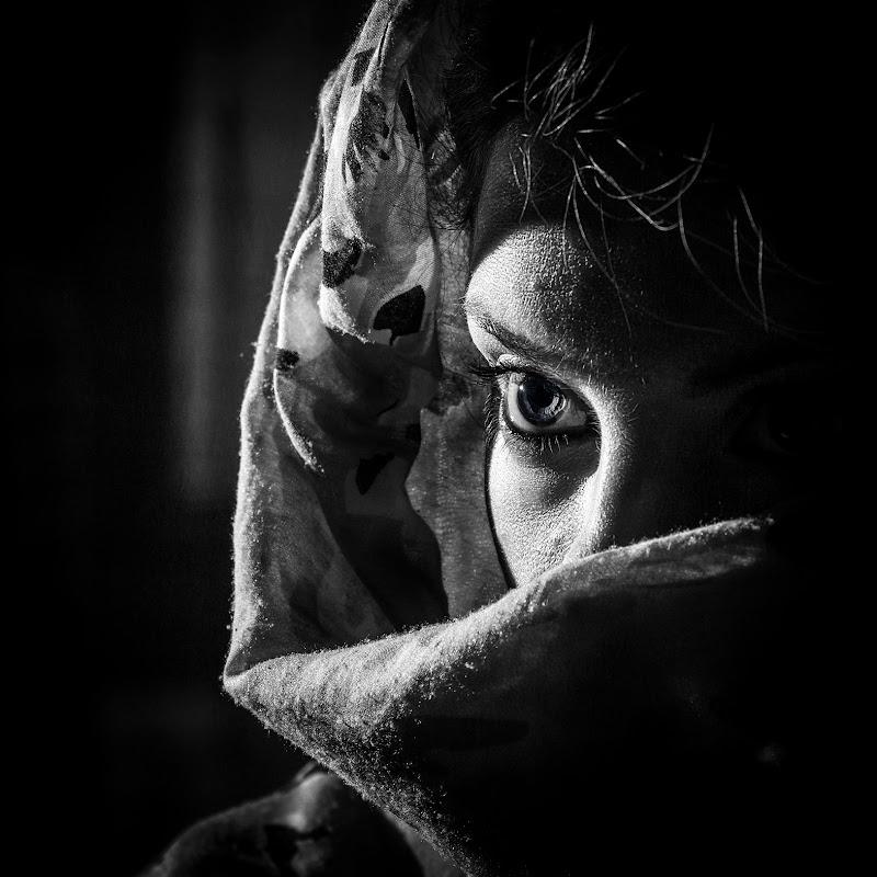 Eye in the dark di ENZOART