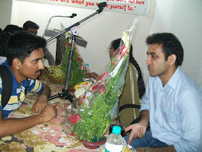 Photo: Students coming up with doubts & queries at UPSC Toppers Seminar 2012 with toppers Mr. Ajay Kumat AIR 679 & Tejaswi Satpute AIR 198 at A A SHAH's IAS Institute, FORT