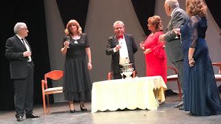 Escena de la obra representada este miércoles en el Teatro Apolo, en el marco del PETA.