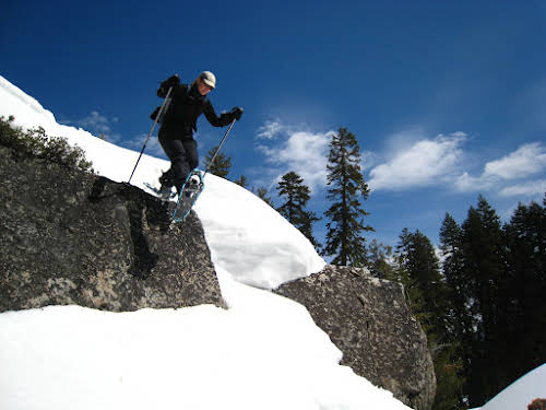 What to Do in Lake Tahoe in the Winter // Snowshoeing around Donner Pass, North Lake Tahoe