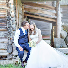 Bryllupsfotograf Iris Engen skadal (IrisEngen). Bilde av 11.05.2019